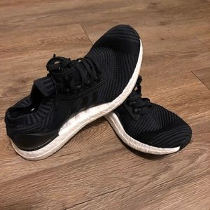 Black Adidas Tennis Shoes